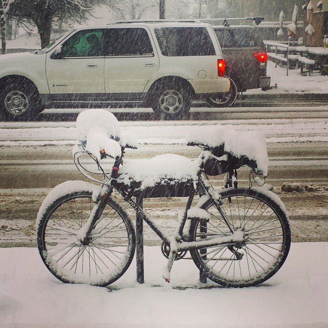 bike_in_the_snow.jpg