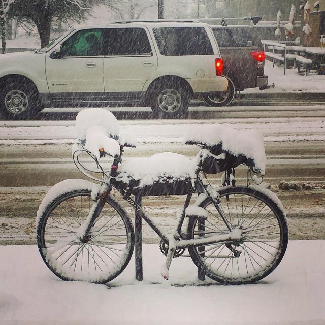 bike_in_the_snow.jpg