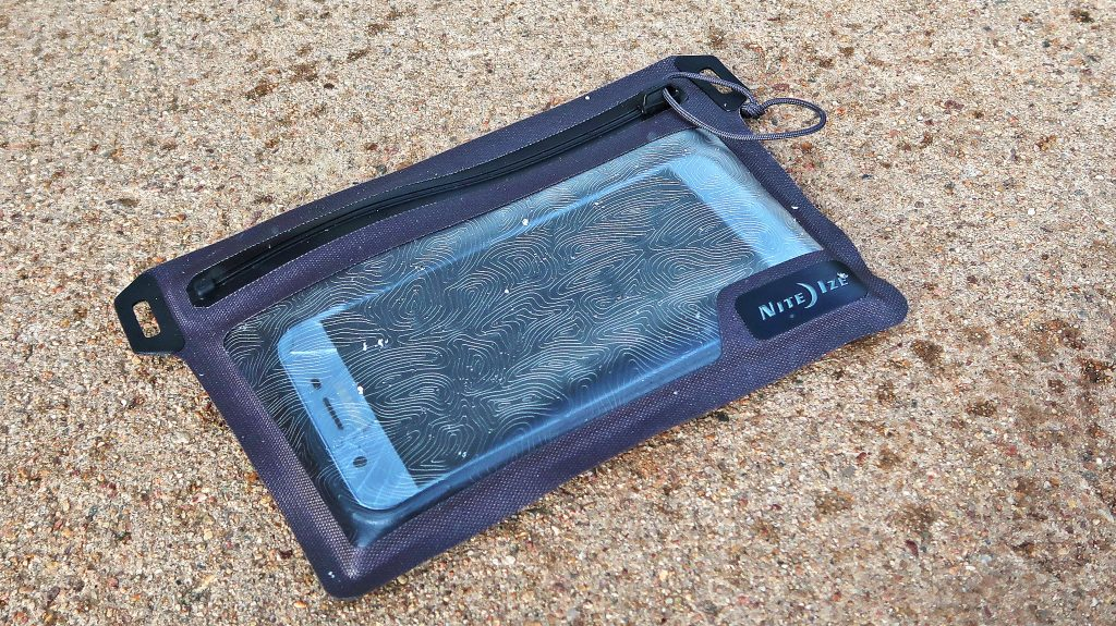RunOff Waterproof Pocket
